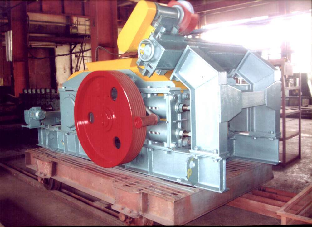 Buy Rollers of a high milling of ceramic mass of USM-114 of GOST 9274-81oborudovany for crushing of raw materials