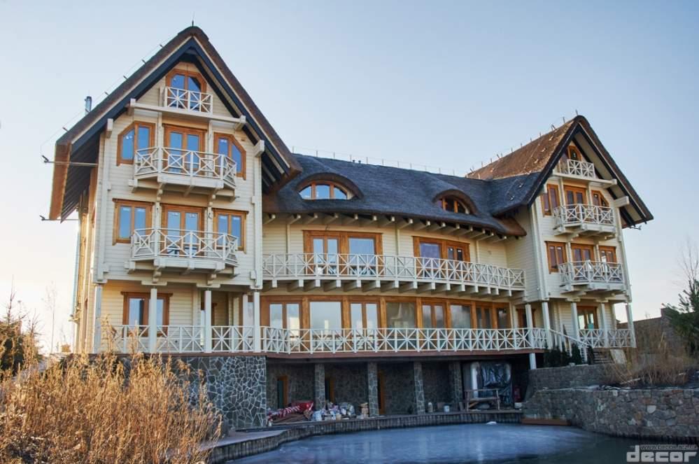 La casa de madera de kleenogo de la barra