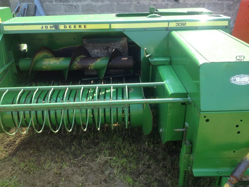 Square baler John Deere 332 336 342 349 359 459 buy in Strumovka