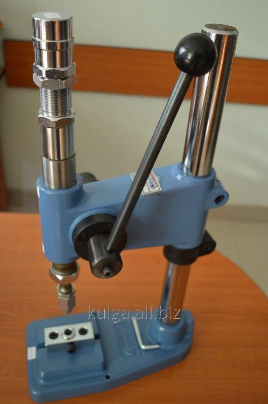 Пресс Presmak 4122 для установки фурнитуры