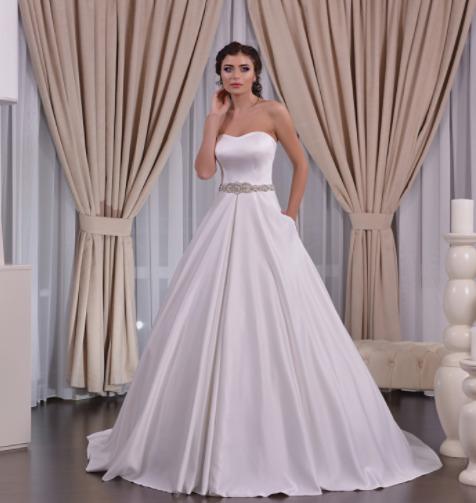 Wedding dress, model 586