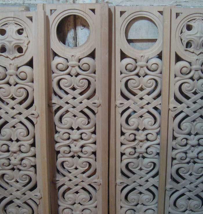 Купить Изделия из дерева художественные киев от компании Художественная резьба по дереву, ООО