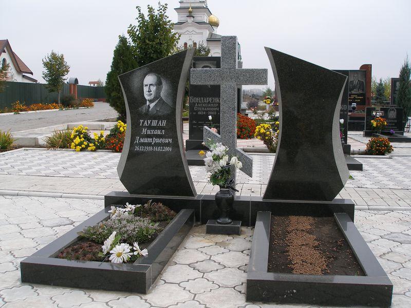 надгробные памятники образцы гатчина