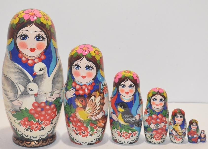 The Ukrainian painted nested doll from 7 pieces big 709