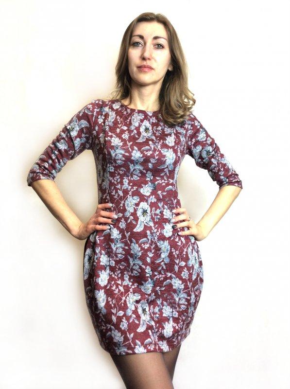 Теплое платье-туника в цветочный принт П168
