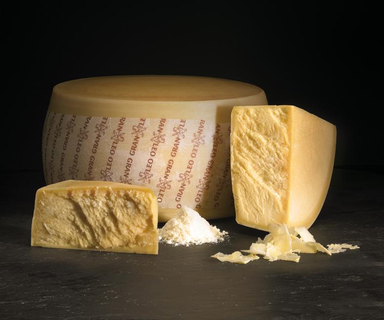 Сыр Пармеджано Реджано 32% 12 месяцев  (Пармезан)