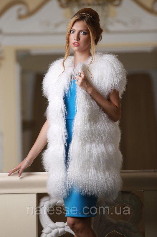 Жилет из белой ламы
