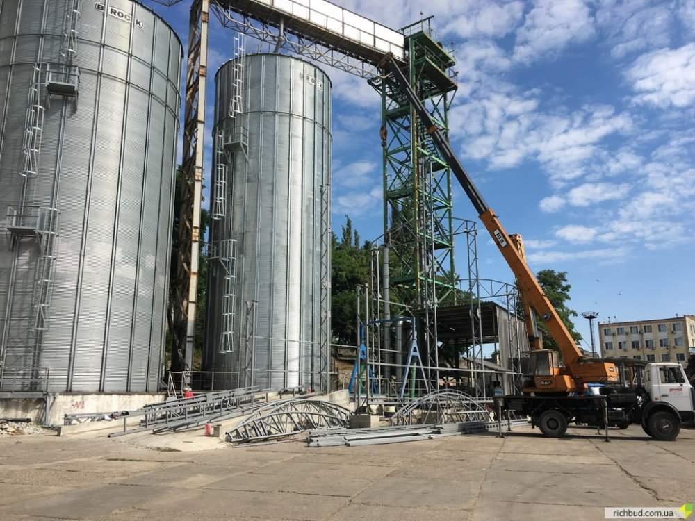 Elevators, grain terminals