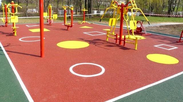 Покрытие из резиновой крошки для открытых детских площадок