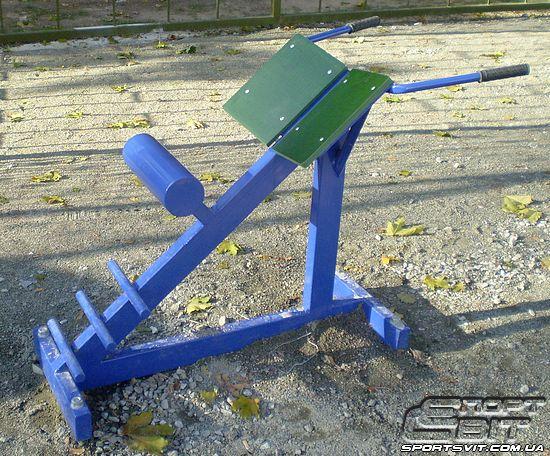 Тренажёр для гиперэкстензии из дерева