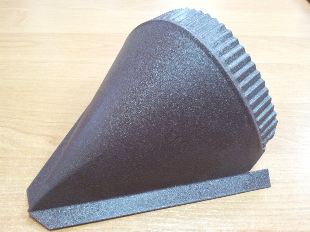 Conical cap for the semicircular fad of Strimeks