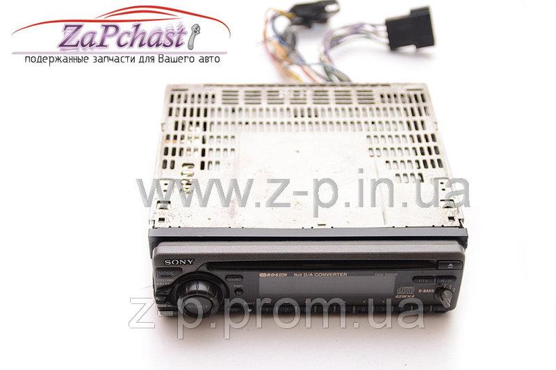 Автомагнитола sony cdx - 2500r со встроенным усилителем выходной мощностью 4 х 45 вт.