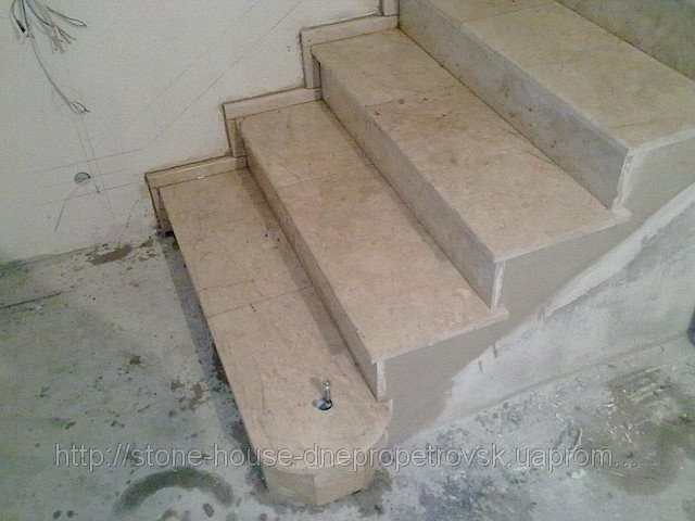 Мрамор, лестницы, балясины мраморные 010