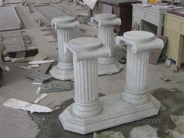 Гранитные колонны 0101