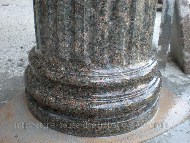 Колонны гранитные серые, красные, черные 003