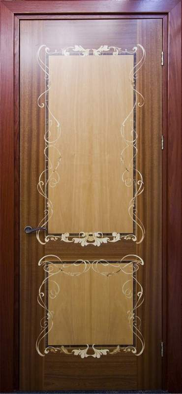 Деревянная дверь под лак Арт. Л03