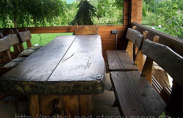 Стол под старину из массива