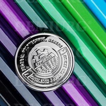 Значок штампованный - покрытие серебро патенированное .