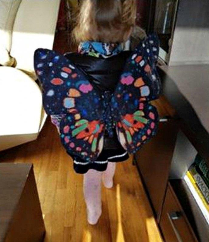 Жилет для девочки большая бабочка.