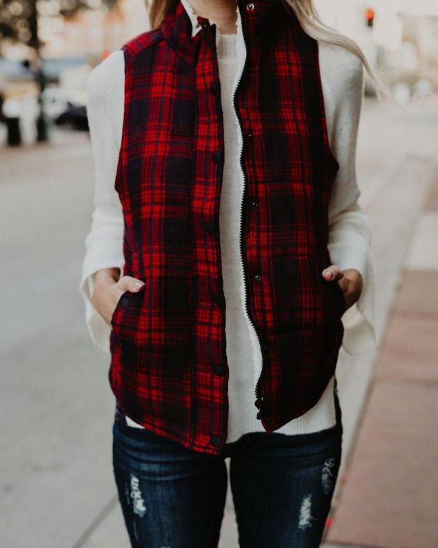 Бархатные жилеты для женщин.