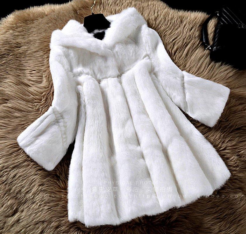 Меховая куртка из натурального меха кролика.