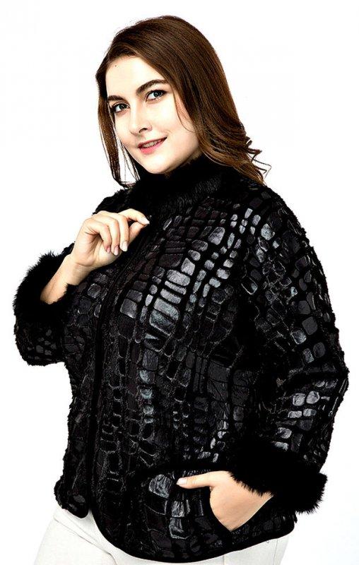 Кожаные женские куртки с меховыми рукавами.