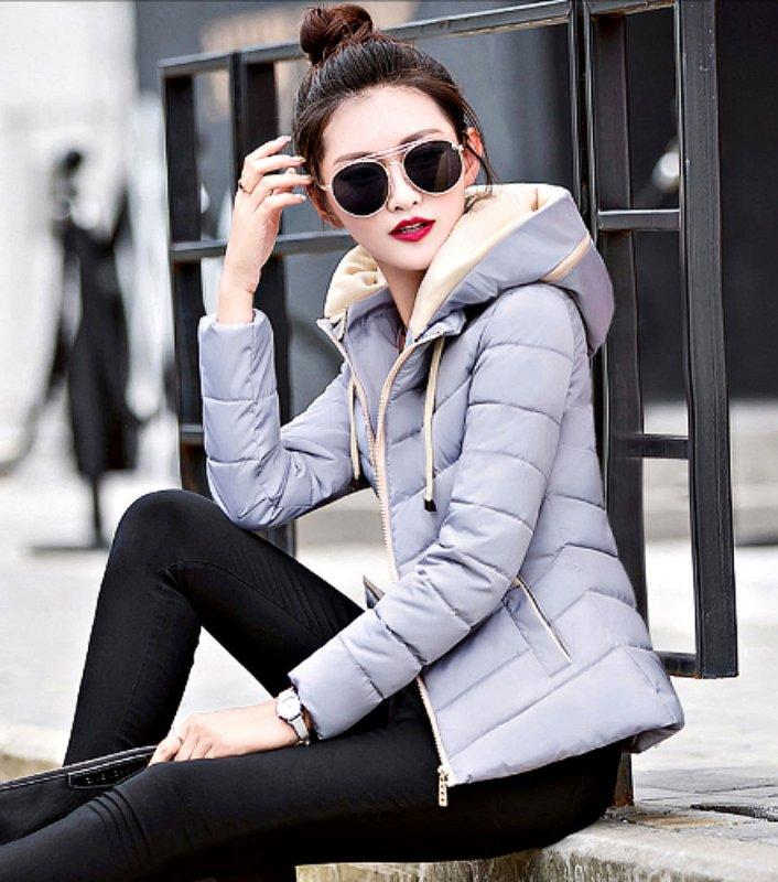 Куртки со съемным капюшоном для женщин.