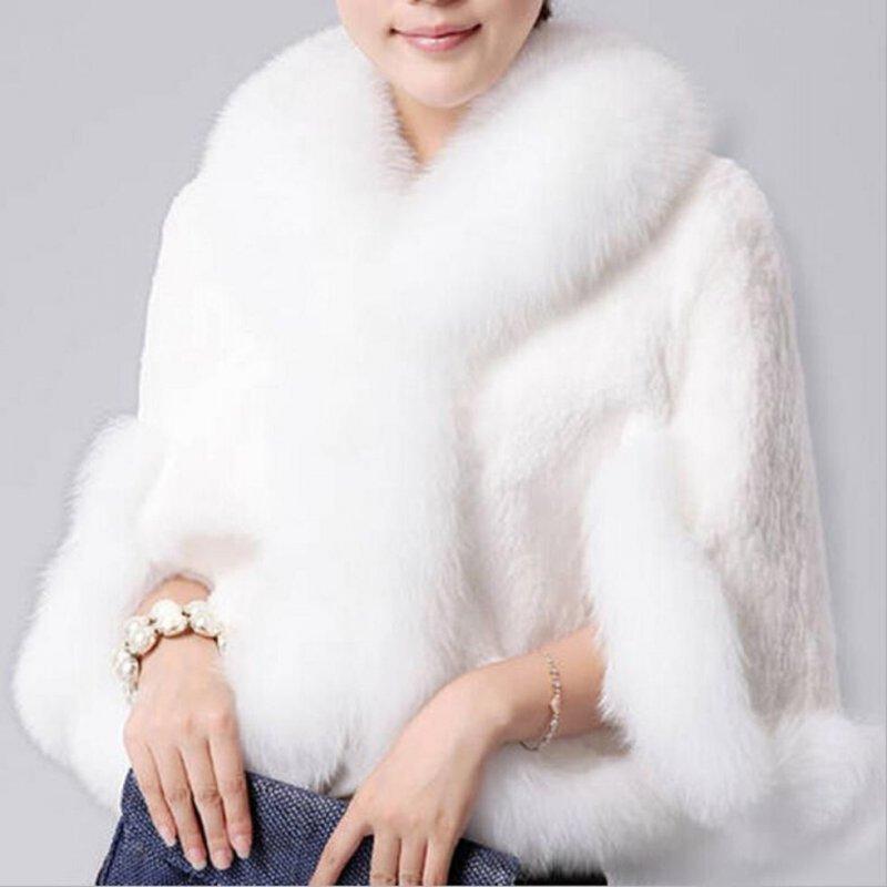Куртка меховая для женщин с лисьим воротником.
