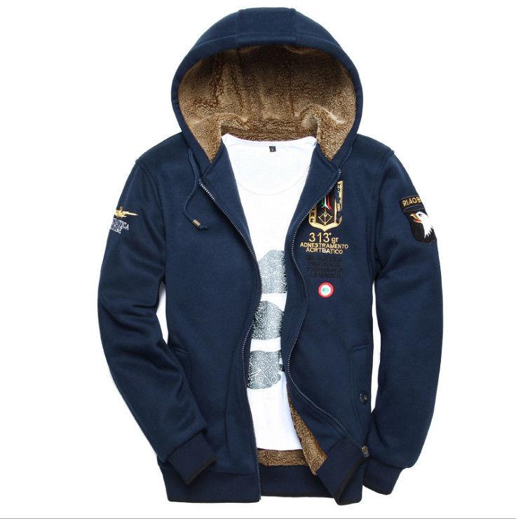 Зимняя, спортивная. шерстяная, теплая куртка для мужчин.