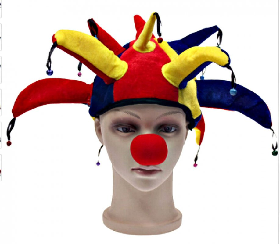 Красочная клоунская шляпа с небольшими колокольчиками.
