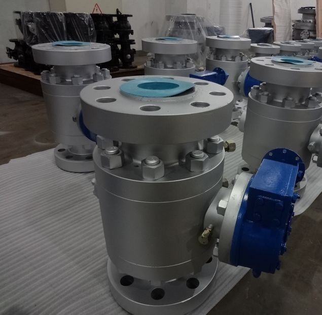Buy Ball valve trehsostanoj flanged steel Lb150 304 DN50