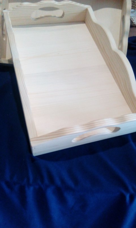 Поднос прямоугольный з фигурными бортиками (ель)
