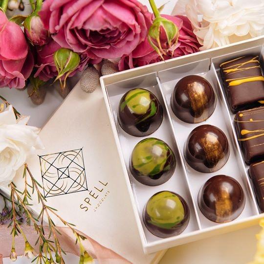 Buy Giftbox for chocolate box (9 set on chocolates)