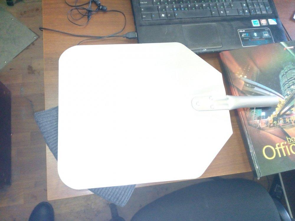 Лопата для пиццы 300х350