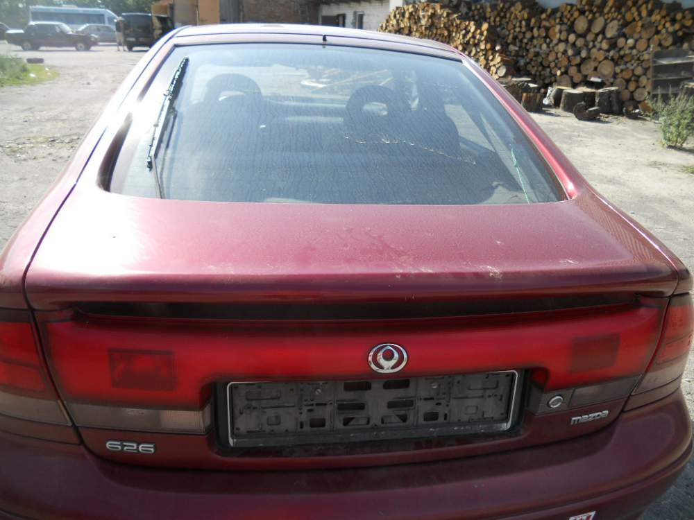 Buy The auto parts which were in the use. Mazda 626 car