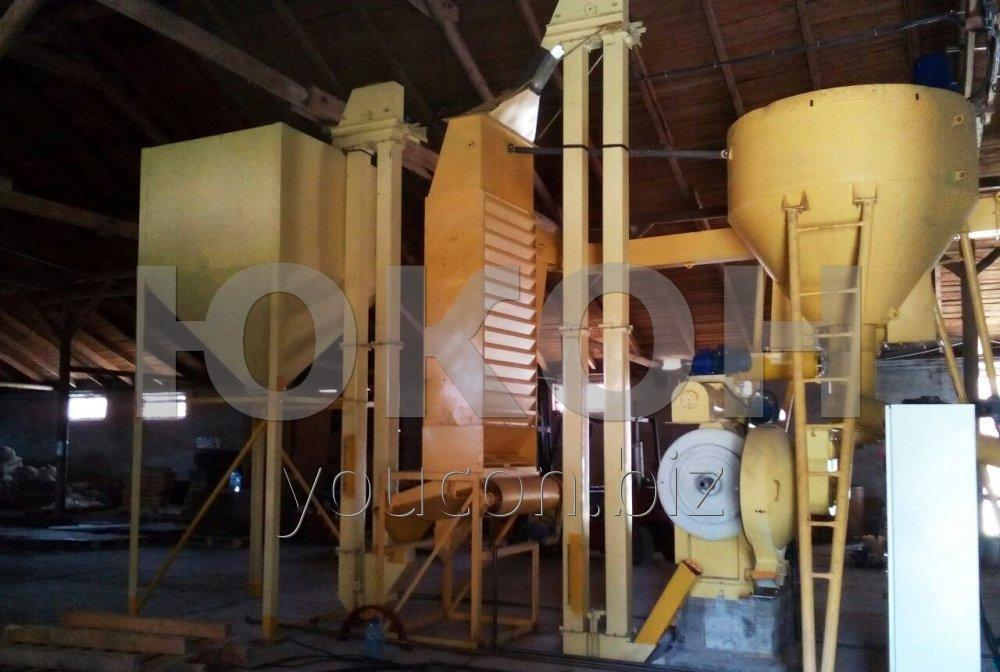 Raw wood pelleting line