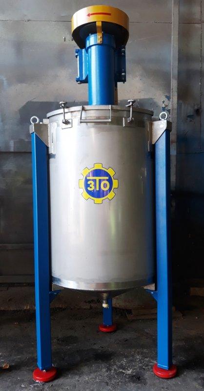 Buy Vertical mixer of 250 liter batch.