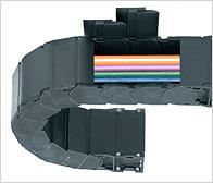 Энергоцепь закрытая (кабельканал, кабелеукладчик, кабельный короб, кабельный трак)
