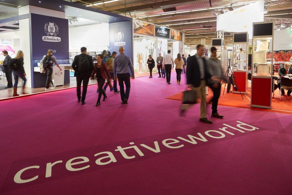 Creativeworld 2019 - международная выставка прикладного искусства и товаров для хобби и творчества.