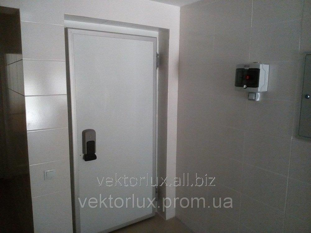 Двері холодильні відкривні середньотемпературні стандарт без пор. ел., ППУ-80 0,8*2,0м