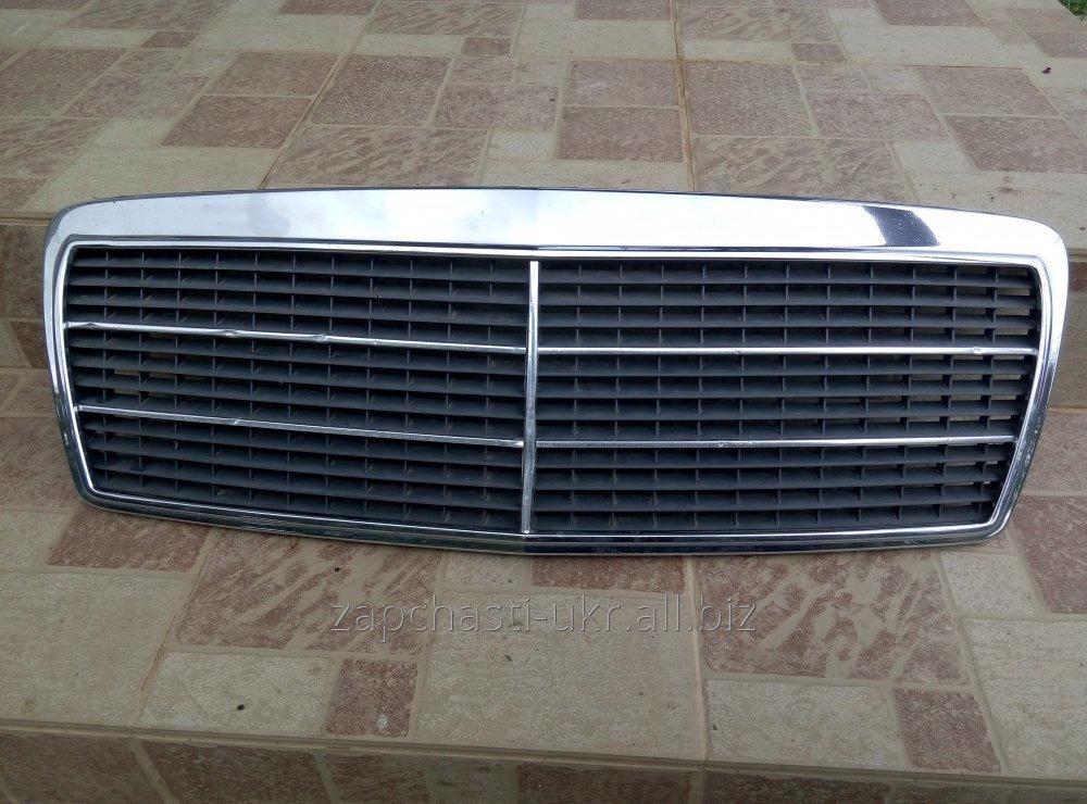 Купить Решетка радиатора Мерседес W210 ( 1999г )