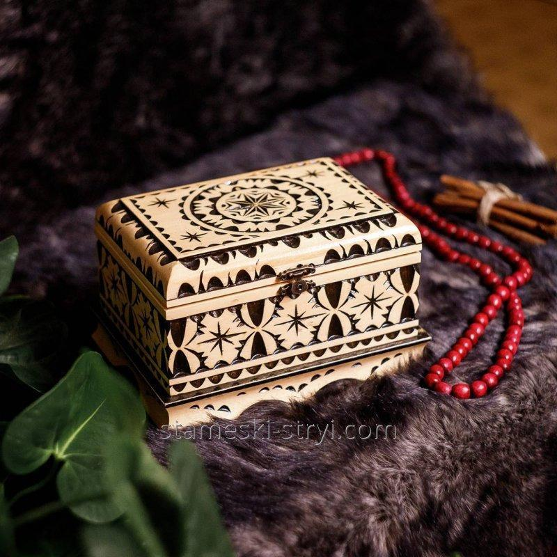 Buy The box is made in the style of geometric woodcarving, handmade. Size: 190 * 130 * 120 mm