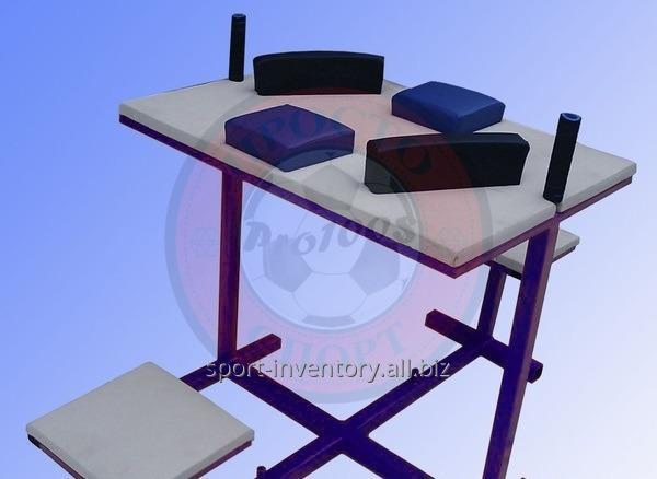 Стол для армрестлинга с сидениями