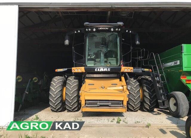 Buy Harvester CLAAS Lexion 670