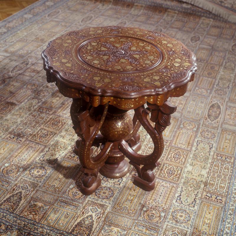 Купить Столы деревянные декоративные на заказ