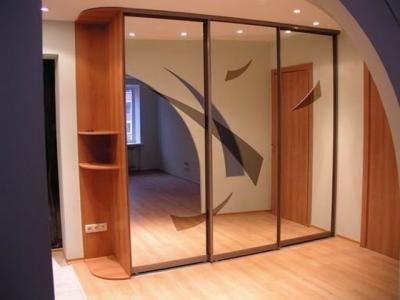 Купить Шкафы-купе зеркальные по индивидуальным заказам