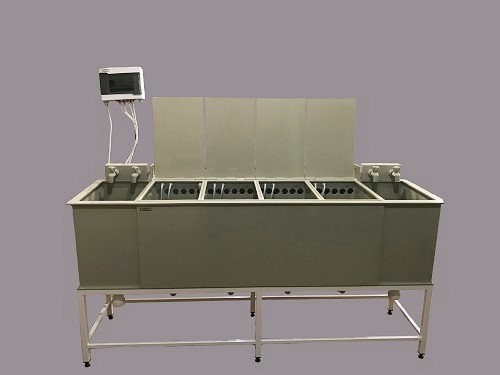 Galvanic baths for nickel stainless steel