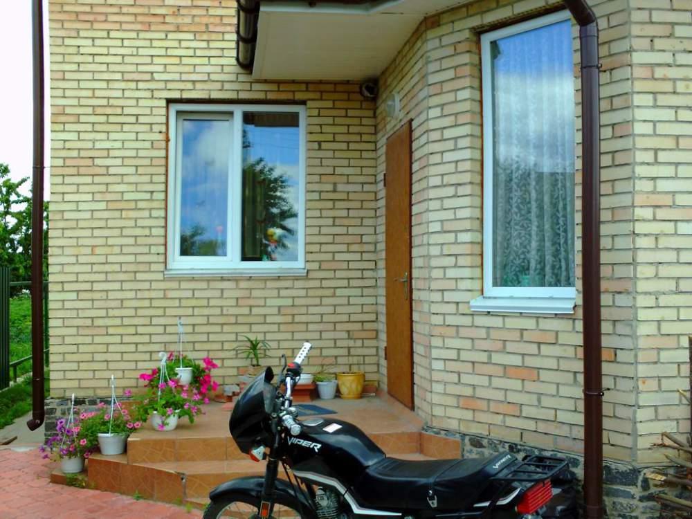 Дом кирпичный, Тарасовка, дом 258 м²., 6 соток земли. Купить дом