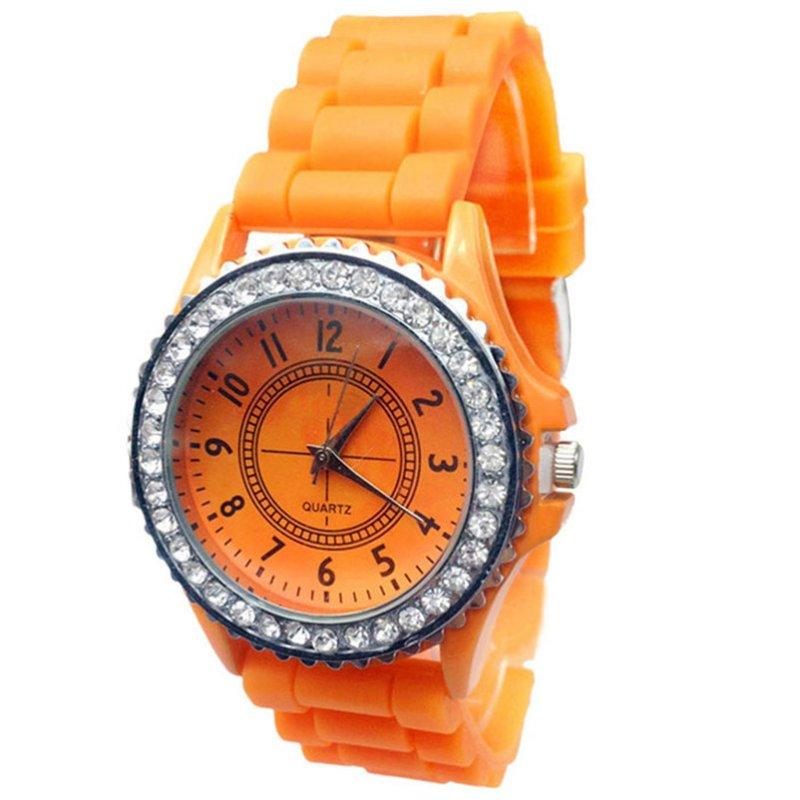 Женские наручные часы Geneva Crystal,оранжевого цвета.