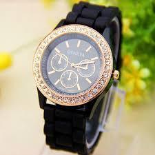 Женские наручные часы Geneva Crystal,черного цвета.Женские часы